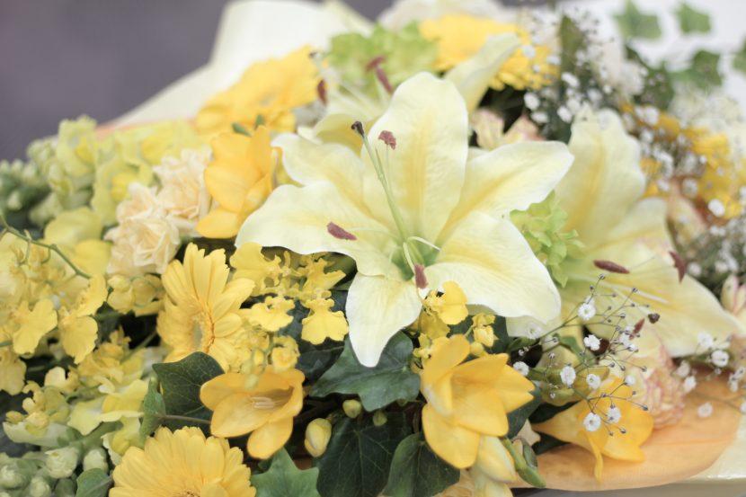 黄色の切り花イメージ01